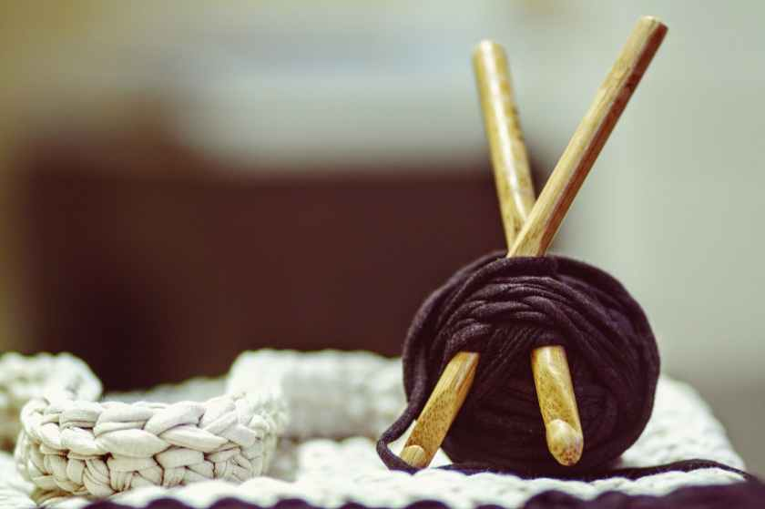 crocheting-yarn-diy-knitting-162499.jpeg